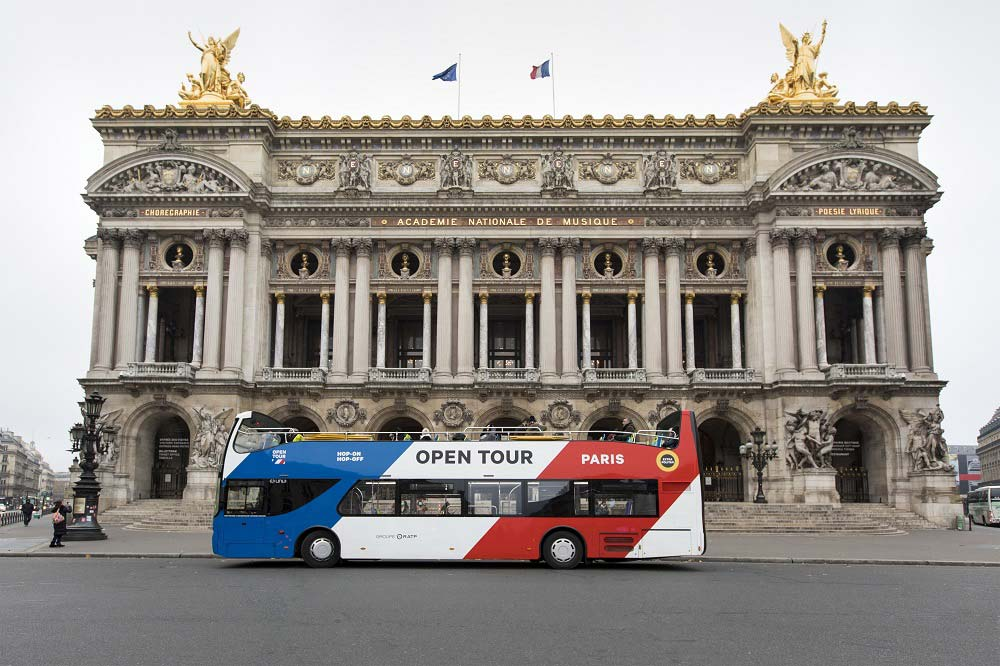 Paris à la carte - Open tour bus at Garnier opera