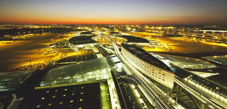 Trois aéroports complémentaires