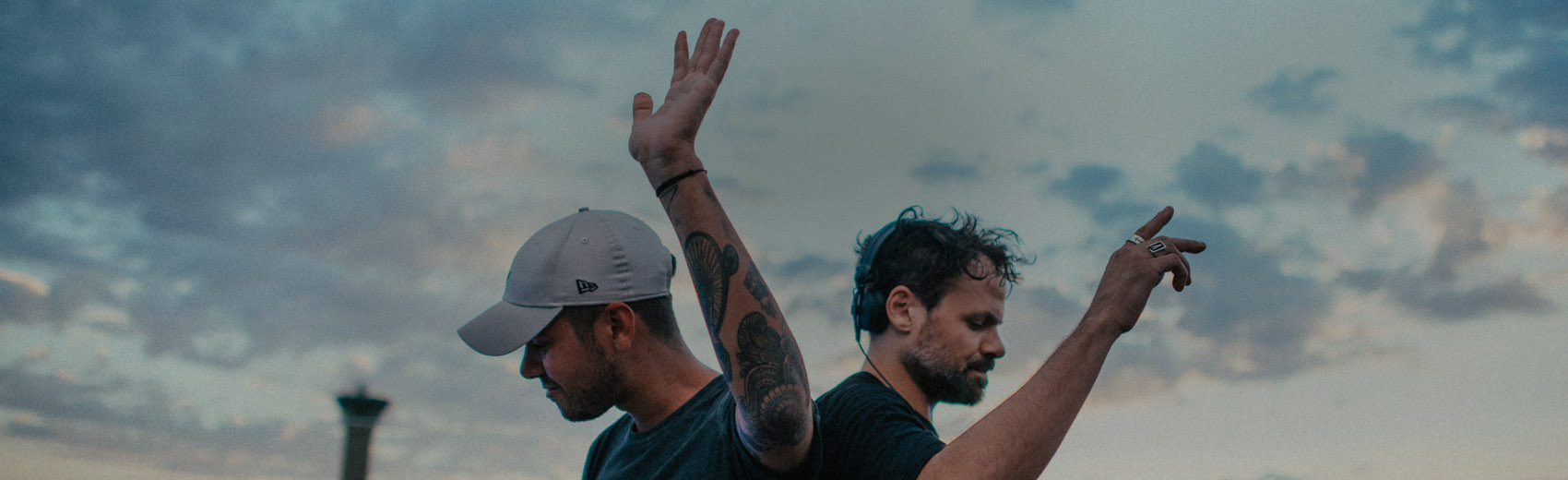 Header-Slideshow-TaleOfUs